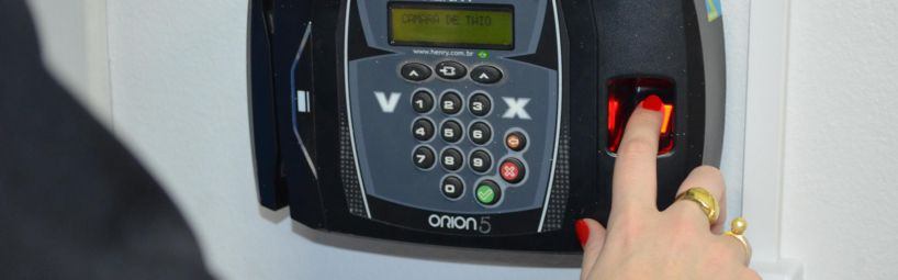 Câmara de Taió instala relógio de ponto biométrico