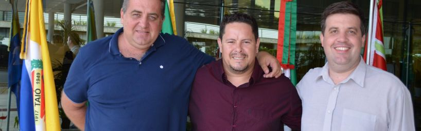 Comitiva taioense busca recursos em Florianópolis