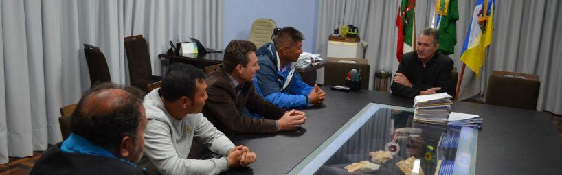 Vereador apresenta município aos chineses