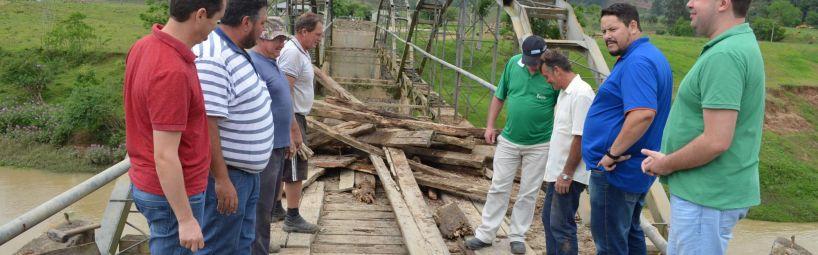 Vereadores acompanham obras na Ponte da Barragem