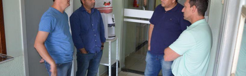 Vereadores visitam diretores do Hospital Dona Lisette